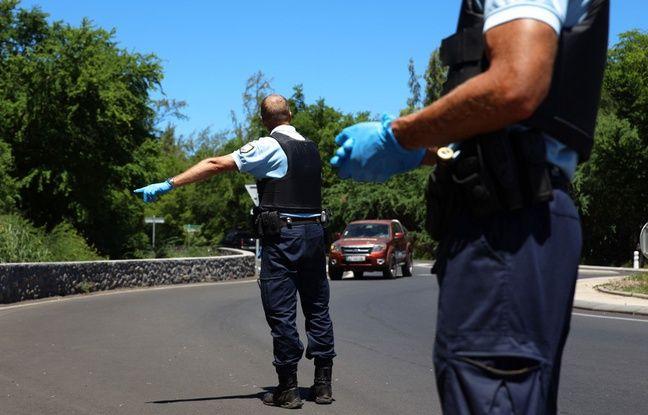 648x415 gendarmes controlent automobilistes saint paul ile reunion illustration