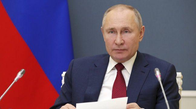 Poutine dénonce des géants de l'Internet qui « concurrencent » l'Etat