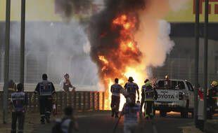 La voiture de Romain Grosjean en feu lors du GP de Barheïn, le 29 novembre 2020.