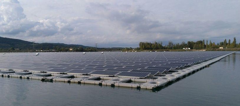 AKUO a inauguré à Piolenc (Vaucluse) O'MEGA1, la centrale solaire flottante la plus puissante d'Europe.