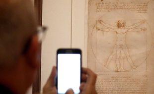 «L'homme de Vitruve» ne restera que deux mois dans la grande exposition que le musée du Louvre consacre à Léonard de Vinci.