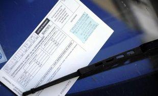 Plus de six Français sur dix (63%) sont opposés à la décentralisation des amendes de stationnement, une revendication des élus qui leur permettrait de fixer le montant des PV, selon un sondage Ifop pour Sud Ouest Dimanche.