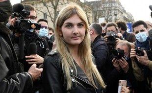 Thaïs d'Escufon, de son vrai nom Anne-Thaïs du Tertrre d'Escœuffant, en  anvier 2021 lors d'une manifestation contre la dissolution de Génération identitaire.