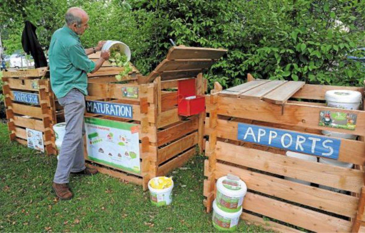 Jean-Louis Amann anime des stages sur le compostage pour les collectifs et les particuliers. –  G. Varela / 20 Minutes