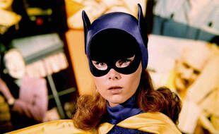 On a préféré ressortir une photo d'Yvonne Craig en Batgirl dans les série « Batman » des sixties plutôt qu'Alicia Silverstone dans le film « Batman & Robin »