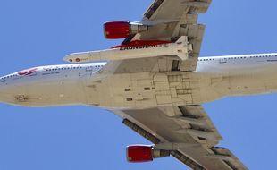 Le Boeing de Virgin Orbit nommé Cosmic Girl décolle de l'aéroport de Mojave, le 25 mai 2020.