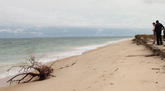 La côte atlantique est menacée par l'érosion à Pointe Denis, près de Libreville. – A.Chauvet / 20Minutes