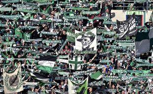 Les supporters stéphanois, ici en mars dans le Chaudron lors d'un match nul (2-2) en Ligue 1 contre le FC Metz.