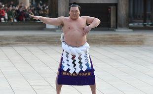 Le yokozuna Hakuho lors d'une cérémonie au sanctuaire Meiji à Tokyo, le 8 janvier 2019.