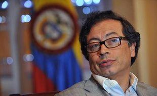 Figure de proue de la gauche en Colombie, le maire de Bogota, Gustavo Petro, a appelé le président Juan Manuel Santos à empêcher sa destitution qui vise, selon lui, à enrayer le processus de paix, le gouvernement s'opposant de son côté à toute ingérence étrangère.