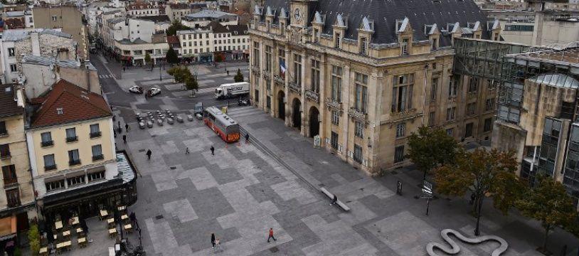 L'agression a été rapportée par un deuxième employé de la mairie de Paris.