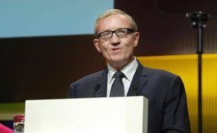 """Le PDG de Canal+, Bertrand Méheut, a sévèrement critiqué mardi l'entrée de la chaîne qatarie Al-Jazira sur le marché des droits du football en estimant que l'émergence de cet acteur """"économiquement irrationnel"""" était une """"mauvaise nouvelle""""."""