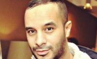 """Mourad Bouchajra, créateur du blog """"Street Rules"""" portant sur le street wear."""