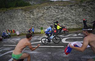 L'Espagnol Alejandro Valverde lors de la 9e étape du Tour de France entre Cluses et Tignes, le dimanche 4juillet 2021.
