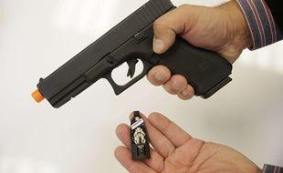 C'est avec un pistolet à billes que les adolescents auraient commis le larcin. Illustration