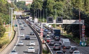 Un embouteillage sur l'autoroute A6, le 13 juillet 2017.