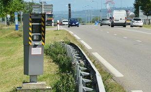 Saint Quentin Fallavier le 03/08/2016: Photo illustration d'un radar fixe sur une route nationale.Credit:ALLILI/SIPA.