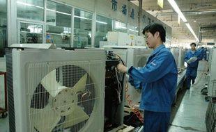 """Haier, premier fabricant mondial de réfrigérateurs et de machines à laver et rare marque chinoise à avoir une notoriété internationale, veut transformer l'image bas de gamme du """"made in China"""" pour accroître sa part de marché dans les pays développés."""