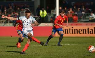 Un penaly entre Anglais et Espagnols.