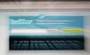 Twitter a annoncé jeudi avoir bloqué pour la première fois un compte dans un pays, en l'occurrence celui d'un groupuscule néo-nazi en Allemagne, à la demande de la police locale.