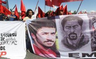 Manifestation à Kayseri le 12 mai 2014 devant le tribunal où se déroule le procès de policiers accusés d'avoir battu à mort un jeune manifestant Ali Ismaïl Korkmaz