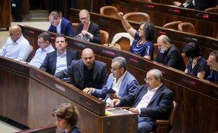 Les députés arabo-israéliens à la suite du vote sur le statut de l'Etat-hébreu, le 19 juillet 2018.