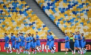 Avec chacune quatre points, la France et l'Angleterre sont en position favorable dans le groupe D de l'Euro-2012 et peuvent se contenter d'un nul mardi, respectivement face à la Suède, déjà éliminée, et l'Ukraine, pour atteindre les quarts de finale.