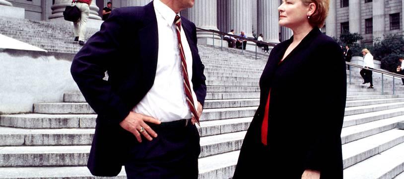 Les acteurs Sam Waterston et Dianne Wiest dans leurs rôles des procureurs Jack McCoy et Nora Lewin