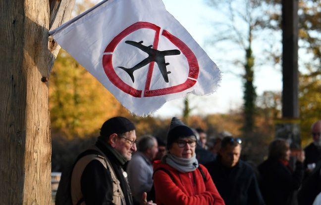 Des militants anti-aéroport sur la ZAD de Notre-Dame-des-Landes.