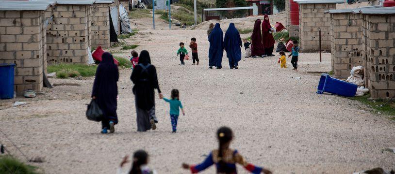 Toutes les femmes et les enfants rapatriés par l'Allemagne et le Danemark  étaient détenus dans le camp de Roj (Nord-Est de la Syrie), sous contrôle kurde.