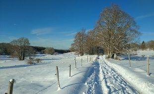 De fortes chutes de neige précoce se sont abattues en Auvergne Rhône-Alpes jeudi. Illustration ici dans l'Ain le 16 novembre 2019?