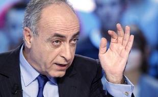 """L'homme d'affaires franco-libanais Ziad Takieddine, dénonce dans un livre à paraître jeudi, """"l'instrumentalisation"""" contre Nicolas Sarkozy de l'affaire Karachi par les juges d'instruction qui l'ont mis en examen."""