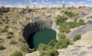 Le «Big Hole» de Kimberley, anAfrique du Sud, considéré comme la plus grosse cavité jamais creusée par l'homme.