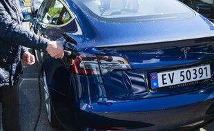Une voiture électrique de la marque Tesla, en Norvège (image d'illustration).