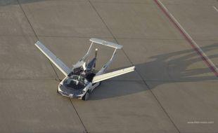L'AirCar, une voiture-avion capable de prendre la route tout comme les airs.