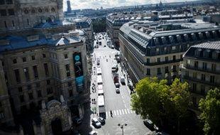 """Pour eux, """"c'était mieux avant"""" : près de la moitié des Français estiment que leur situation est moins bonne que celle de leurs parents, un sentiment en constante hausse depuis 2004"""