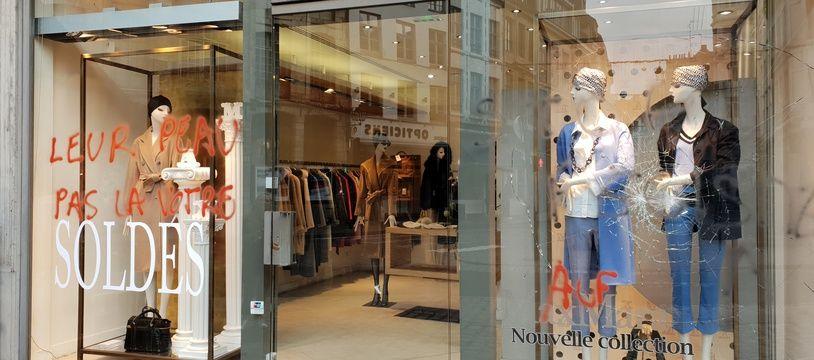 Lille, le 16 janvier 2019. De nouveaux commerces ont ete vandalises pas des militants anti specistes.
