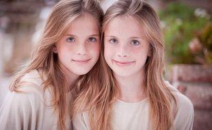 Les jumelles Noelle et Cali Sheldon ont interprété Emma, le bébé de Ross et Rachel dans