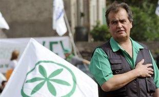 L'Italie doit pouvoir recourir dans certains cas à la castration chirurgicale des personnes coupables d'agression sexuelle, a estimé lundi Roberto Calderoli, ministre de la Simplification administrative et membre de la Ligue du Nord, le parti anti-immigration du gouvernement Berlusconi.