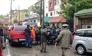 Les secours déployés sur le terrain ont repêché 24 corps, secouru dix survivants qui ont été conduits à l'hôpital