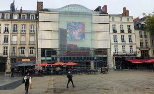Le cinéma Gaumont, place du Commerce à Nantes.
