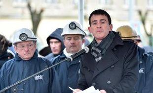 Le Premier ministre Manuel Valls prononce un discours à Liévin à l'occasion du 40e anniversaire de la catastrophe minière, le 27 décembre 2014
