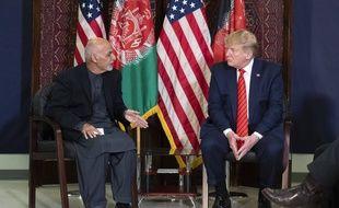 Donald Trump avec son homologue afghan Ashraf Ghani le 28 novembre 2019 sur la base américaine de Bagram en Afghanistan.