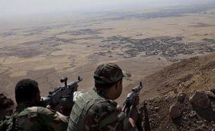 Des soldats peshmergas sur le Mont Zardak à environ 25 km de Mossoul en Irak, le 9 septembre 2014