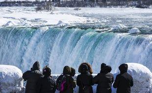 Image d'illustration des chutes du Niagara.
