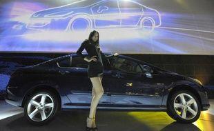 La marque automobile française Peugeot a annoncé lundi son retour au Vietnam, avec la création d'un réseau de commercialisation de véhicules pour l'essentiel importés d'Europe, même si un modèle, la 408, sera assemblé sur place par son partenaire local Thaco.