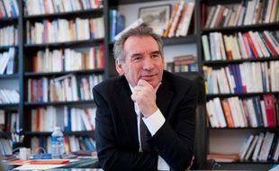 Francois Bayrou, président du Modem, au siège de son parti au 133 rue de l'université à Paris, le 07 mars 2012.