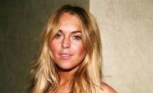 Lindsay Lohan a renoncé à jouer dans un film consacré au psychopathe Charles Manson, a indiqué vendredi son attachée de presse en citant des problèmes d'emploi du temps, alors qu'un blog spécialisé a affirmé que l'actrice américaine avait été récusée par la production.