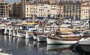 Les traditionnelles barquette de Marseille, sur le Vieux-Port.