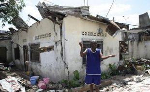 Des corps étaient encore retirés lundi des décombres du quartier de Brazzaville soufflé dimanche par l'explosion d'un dépôt de munitions, qui a fait plus de 150 morts, alors que les hôpitaux sous équipés attendaient l'aide internationale pour soigner des centaines de blessés